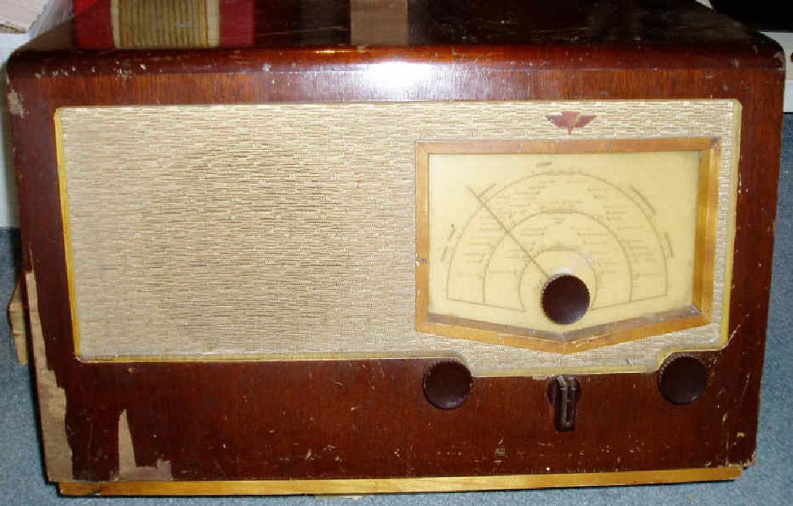 KB Radio before restoration