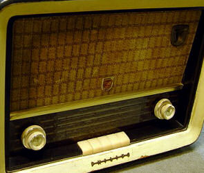 philips-radio-01