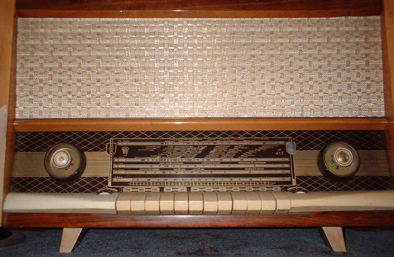 Orion 612 vintage valve radio